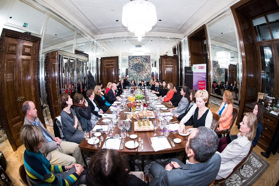 """Erster Investorinnen.com Roundtable: """"Women investing in Women"""""""